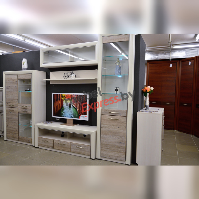 Шкаф-витрина «Оливия» 1V1D для гостиной