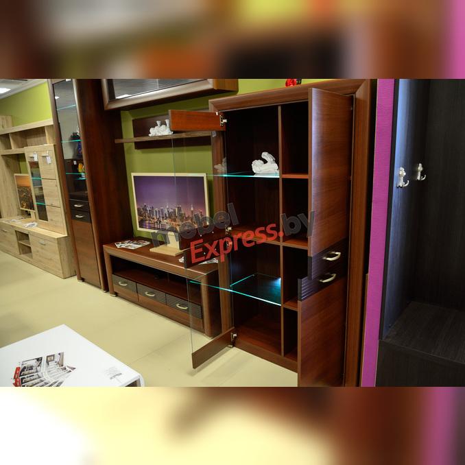 Шкаф-витрина «Вена» 2V2D для гостиной - орех